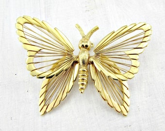 Vintage Gold Butterfly Brooch Pin, Designer MONET Brooch, Wirework Jewelry, Bug Insect Brooch, 1970s Vintage Jewelry, Spring Summer Jewelry