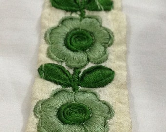 1 Yard Embroidered Ribbon on dupion silk in a gorgeous floral design on a beige background