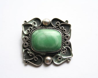 Vintage 1950's sterling brooch with Mexican green Jade, Mexico Silver
