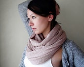 TEA ROSE Chunky Knit Scarf - Infinity Scarf - Cozy Neck Warmer - Dusty Pink Loop Scarf