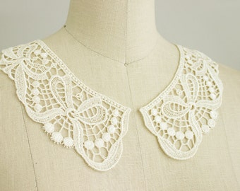 Venise Lace Bow Design Collar Cream Off White Peter Pan Lace Collar / Two Piece Peterpan Style Collar