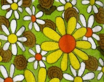 Vintage 60's Terrycloth Daisy Pattern Apron