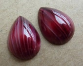 2 glass cabochons, 18x13mm, red/white, pear