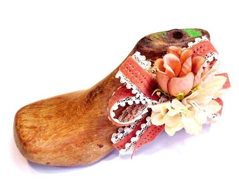 Wooden Shoe Last Upcycled Vintage Baby Shoe Mold Wood Cobbler Shoe Form itsyourcountry