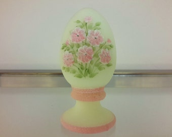 FENTON PINK BLOSSOMS  Hand Painted Glass Egg