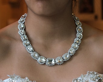New Ultra LUXE  Neckace, Statement Bridal Necklace, Classic Old Hollywood Rhinestone Crystal, Bridal Necklaces Lays Perfecly On Your Neck,
