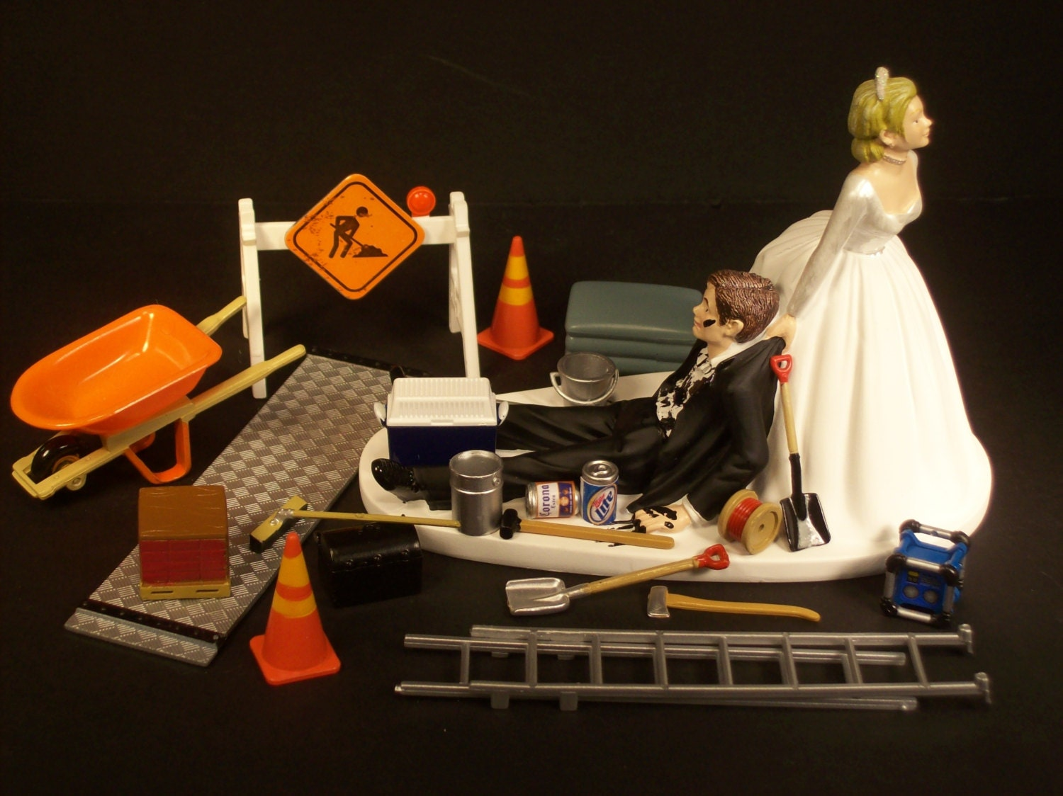wedding cake construction no construction work wedding cake topper and groom 22224