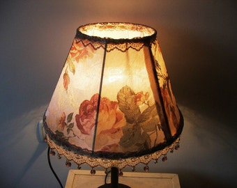 Royal Flowered Velvet Table Lamp With Glass Beads - Antique Style