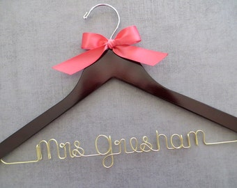 Wedding Dress Hanger with Bow, Gold Wire Bridal Hanger, Personalized Hanger, Bride Hanger, Wedding Coat Hanger, Engagement Gift