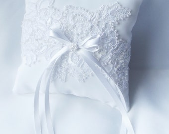 Ring Pillow,Ring Bearer Pillow, Wedding Ring Cushion, White Satin and Lace with Pearls