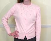 Sweet 50s Beaded Sweater Cardigan / Pink Pearl Beads / Pinup Bombshell Sweater / Orlon Acrylic / SMALL