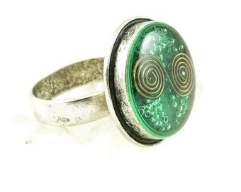 Orgone Energy Ring with Malachite - Framed Circle Cocktail Ring - Adjustable Ring - Orgone Energy Jewelry - Artisan Jewelry