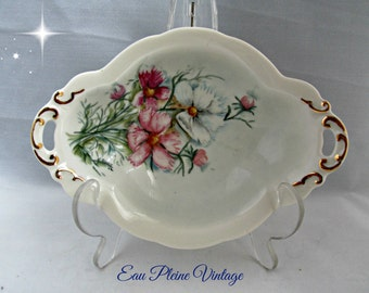 Hand Painted Pink White Dianthus Flowers Oval Victorian Style Candy Dish Gold Trimmed Soap Dish Vanity Ring Jewelry Tray Signed