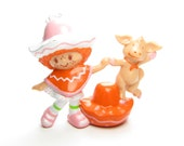 Cafe Ole Dancing with Burrito Vintage Strawberry Shortcake PVC Miniature Figurine