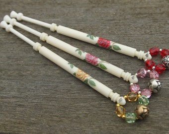 Painted Bone Midland Lace Bobbin - spray of roses
