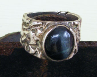 Heavy Sterling Silver man's ring  hand forged cat's Eye size 10 marked Sterling inside band