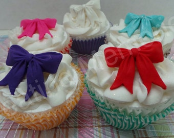 FONDANT BOW - Edible bow for cupcakes. You chose your color(s)