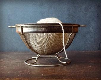 SALE  vintage Wire Basket // Strainer