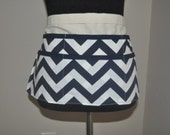 Chevron utility Apron, Women's Vendor Apron, Navy Chevron Apron, teacher apron, craft fair apron, vendor apron
