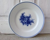 Large Porcelain Plate echt kobalt made in former East Germany