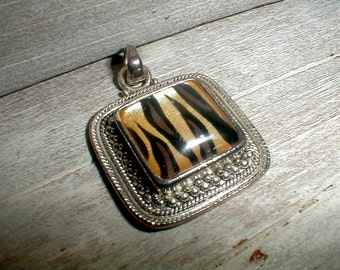 Funky Tiger Stripes Pendant Marked Best *Fun Accessory*