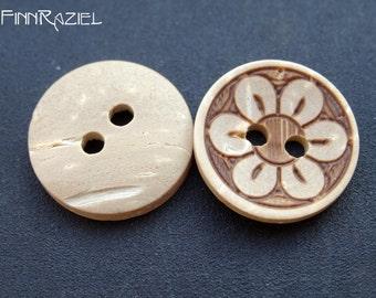 6 coconut buttons ø 15mm floral motif