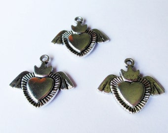 Wing Crown Heart Charms 12 STR509