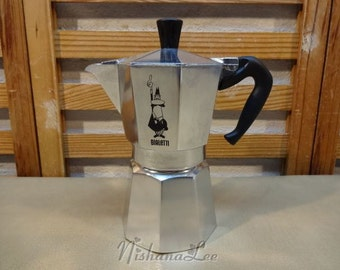 Bialetti Moka Express Stovetop Expresso Pot 6 Cup Demitasse Coffee Maker - SEE PICTURES LINK