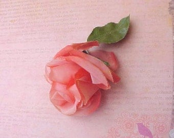 Pretty Vintage 1950's Peach Millinery Rose