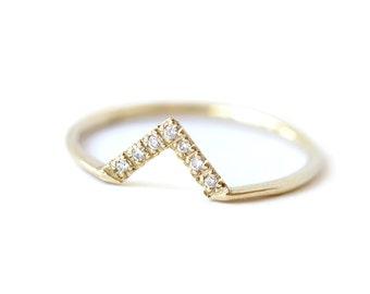 Diamond V-Ring with Pave Diamonds - Diamond Wedding Band - 18k Solid Gold