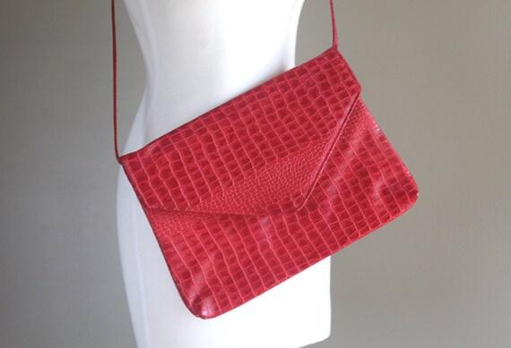 Lipstick Red Faux Alligator Purse / Vintage 1980s 1970s / Shoulder Bag