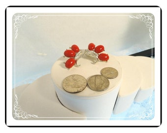 Lucite Flower Earrings - Vintage Red  -  E891a-083012000