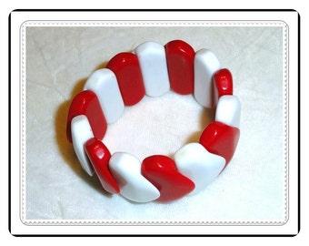 Fashionable Vintage Bracelet - Vintage Red and White Stretch  -  Brac-1291a-031414002