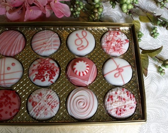 Chocolate Peppermint   Oreos in White/Regular Chocolate covering Gift Box 12 Pieces Hand Made fresh to Order