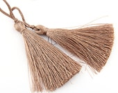 Toffee, Silk Thread Tassels, 2 pieces - Jewelry Supplies  // TAS-016