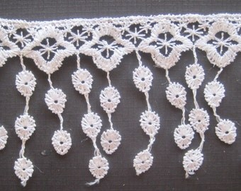 "Victorian Lace Fringe Trim, White, 3 1/4"" inch wide, 1 Yard, For Victorian & Romantic Projects"