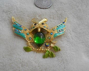 Vintage Pin-Crystal Rhinestone Emerald Green Jelly Bellyed Owl -P3199