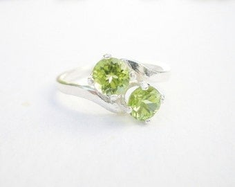 Natural Peridot Gem Stone 925 Sterling Silver Two 5mm Faceted Stone Ring