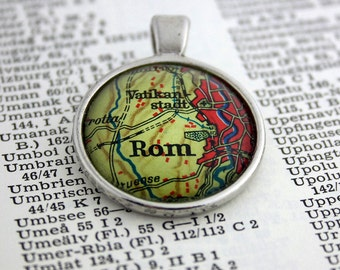 NECKLACE or KEYCHAIN, Italy, ROME, the Vatican, Map-Pendant, Cabochon, Glass, Atlas, Vintage, Jewlery