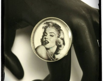 Marilyn Monroe Adjustable Ring