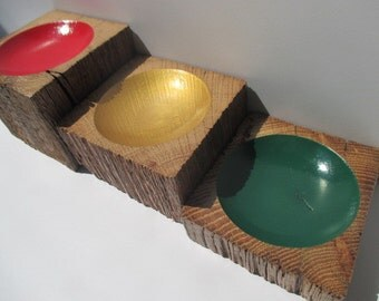 Carved Painted Bowls STOP LIGHT art Created from Oak Barn Beams, Distressed Sides 3 Piece set  (3SHRWPB4)