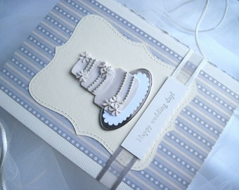 Happy Wedding Day Daisy Embellished Wedding Cake Card with Silver & Champagne Metallic Background, 5 x 7
