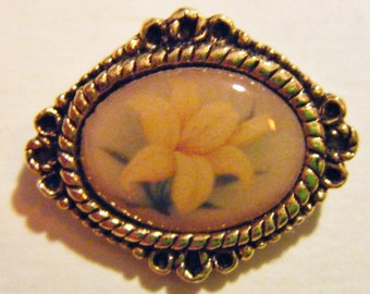 Lovely Vintage Yellow Floral Brooch With Even Lovelier Message On The Back