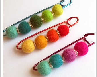 Felted Balls Brooch!