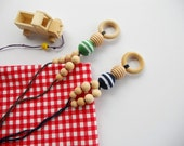 Babywearing Necklace /Teething Necklace for mom to wear - Breastfeeding Mother Jewelry - New Mother Father Gift