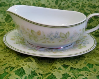 RARE 1970s Noritake Essence Gravy Boat with underplate Very Good