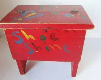 Fun, Red-painted Shoeshine Box - Folkart Painting - Tole - Wood Box With Split Top - Foot Stool - Small Painted Red Box  - Store Everything