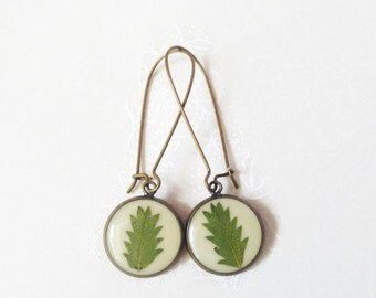 Trendy jewelry, cool jewelry earrings for girls, Nature jewelry, Leaf Earrings, resin jewelry beautiful earrings, botanical jewelry forest