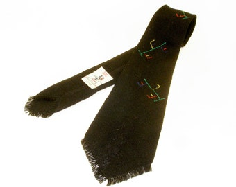 1930s Native American Tie Hand Woven 100% Wool Knit Mens Black Necktie with Indian embroidery designs by  Sandia Weavers