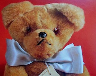 A Collector's Guide To Teddy Bears ~ TEDDY BEARS ~ Toy Bears ~ Paddington Bear ~ Steiff ~ History of Bears ~ BEARS ~ Teddy Bear Book